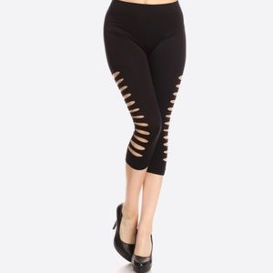 Pants - NWT sexy black capri leggings capris